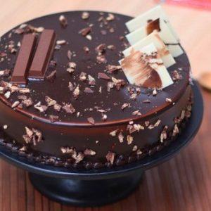 Kit-Kat Chocolate Cake