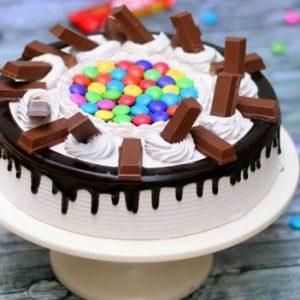 1 KG Kit-Kat Cake